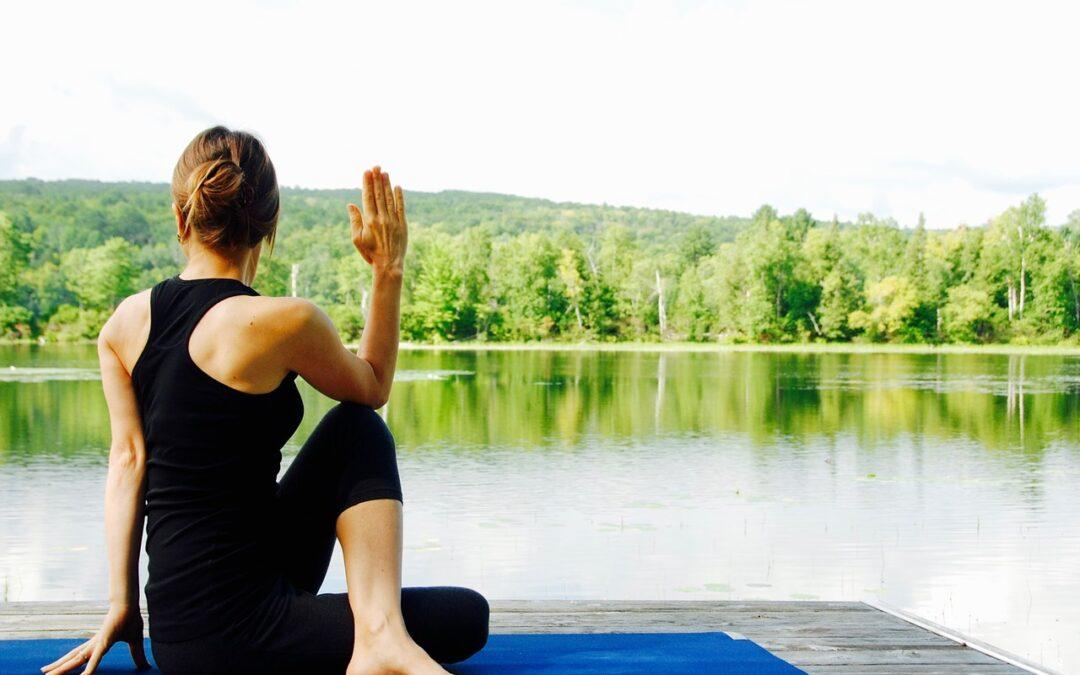 Bekæmp smerterne med yoga!
